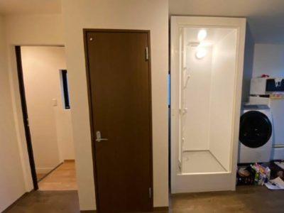 シャワーユニット新設・トイレ扉変更 LIXLI PP-0808LBEL 東京都港区